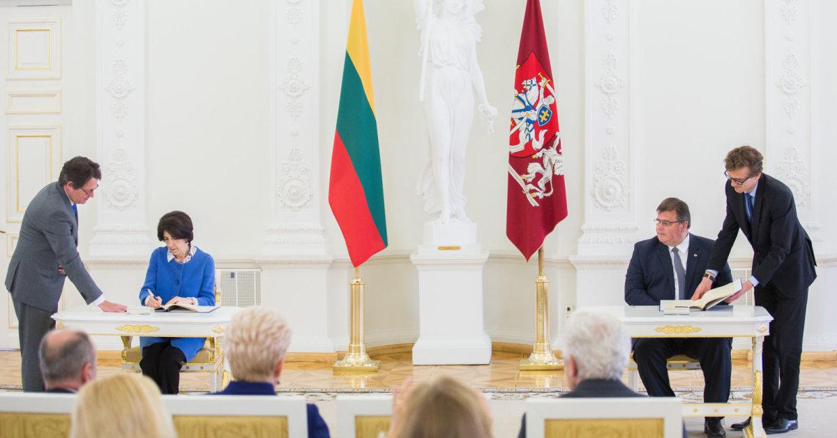 Pasirašyta Lietuvos asocijuotos narystės sutartis su CERN