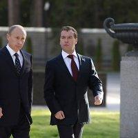 Rusijos premjeras V.Putinas ir prezidentas D.Medvedevas