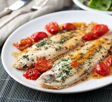 Žuvis, paruošta graikiškai
