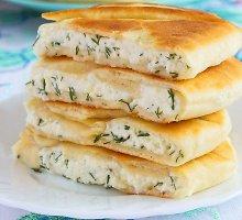 Pyragėliai su ožkų pieno sūriu