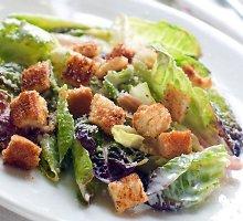 Cezario salotos su užpilu