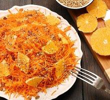 Morkų salotos su apelsinais