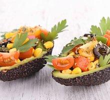 Kukurūzų ir avokadų salotos
