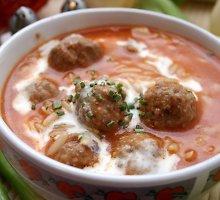 Pomidorų sriuba su kiauliena