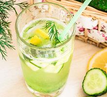 Naminis agurkų limonadas su citrina