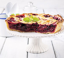 Vyšnių pyragas, tobulai derantis su ledais