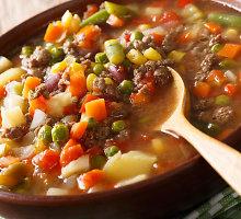 """""""Piemenėlių pyragą"""" primenanti soti mėsos ir daržovių sriuba"""