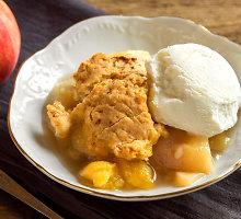 Smėlinis persikų desertas