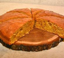 """Senovinis morkų pyragas """"Zomšas"""""""