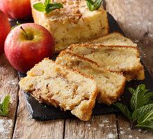 Kvapnus obuolių pyragas su džiovintais vaisiais, arbata ir imbieru