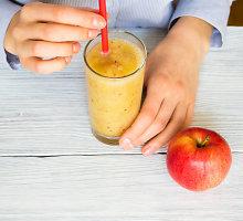 Imbiero ir obuolių kokteilis su jogurtu