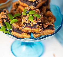 Veganiškas trupininis mėlynių pyragas