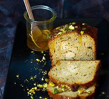 Cukinijų pyragas su varške, chia sėklomis ir pistacijomis be glitimo