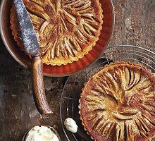 Obuolių tartas su abrikosų džemu