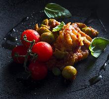 Troškinta menkė su pomidorais