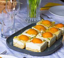 """Linksmai atrodantis varškės pyragas """"Kiaušinienė"""" Velykoms"""