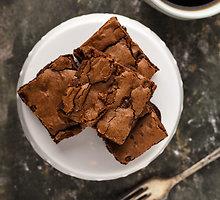 Šokoladinis pyragas su avižiniais dribsniais