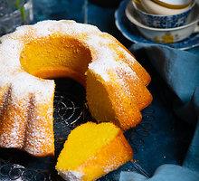 Ryškus ir skanus braziliškas kukurūzų miltų keksas