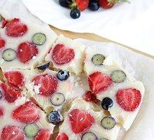 Veganiškas šaldytas jogurtinis desertas