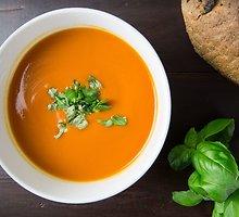 Šalta morkų sriuba su imbieru ir ciberžole
