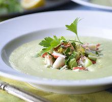 Šalta avokadų sriuba su kokosų pienu