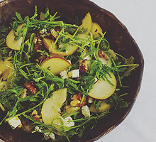 Kriaušių ir mėlynojo pelėsinio sūrio salotos