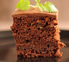 Šokoladinis avokadų pyragas be cukraus