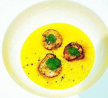 Jūrų šukutės geltonųjų paprikų padaže