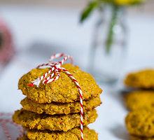 Avižinių dribsnių ir morkų sausainiai