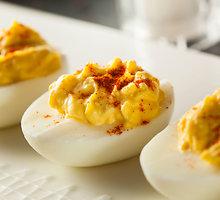 Įdaryti kiaušiniai su ispaniškais akcentais