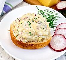 Tuno ir kiaušinių mišrainė