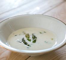 Vokiška šparagų sriuba