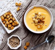 Patisonų sriuba su pesto padažu