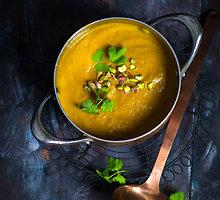 Marokietiška kalafiorų sriuba su morkomis ir obuoliais