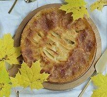 Obuolių pyragas su traškučiu