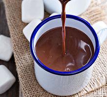 Karštas šokoladas su grietinėle ir aitriąja paprika