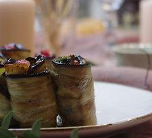 Baklažanai su granatais, petražolėmis ir mėtomis
