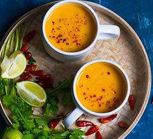 Keptų batatų sriuba su citrinžole ir kokosų pienu