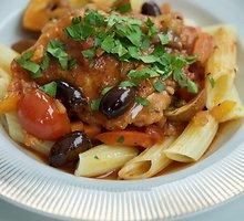 "Vištienos ""cacciatore"", arba vištiena pomidorų padaže"