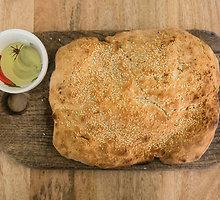 Greita duona su rozmarinais ir sezamo sėklomis