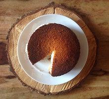 Veganiškas apelsinų pyragas su vaniliniu kokosų kremu