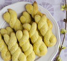 """Graikiški Velykų sausainiai (""""Koulourakia"""")"""