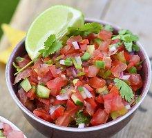 Vasariška pomidorų salsa