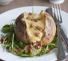 Įdarytos bulvės su gražgarstėmis ir sūriais