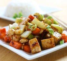 Kiniškos sojų varškės salotos