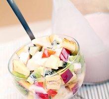 Saldžiarūgštės salotos