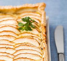 Pyragas su tunu ir obuoliais