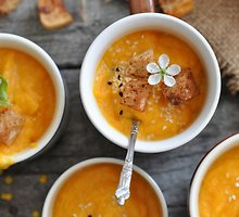 Morkų, apelsinų ir lęšių sriuba