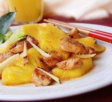 Vištiena su ananasais