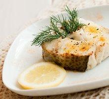 Gustavo kepta žuvis su sviestu ir žalumynais